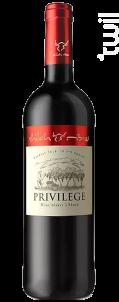 Privilege - Shiloh - 2018 - Rouge
