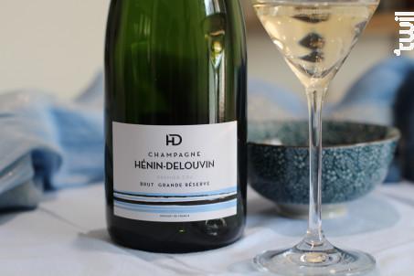 Brut Reserve Premier cru - Champagne Hénin-Delouvin - Non millésimé - Effervescent