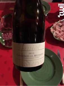Chambolle-Musigny Premier Cru Les Charmes - Domaine Amiot-Servelle - 2018 - Rouge